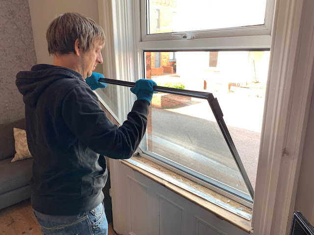 removing the glass from a uPVC window