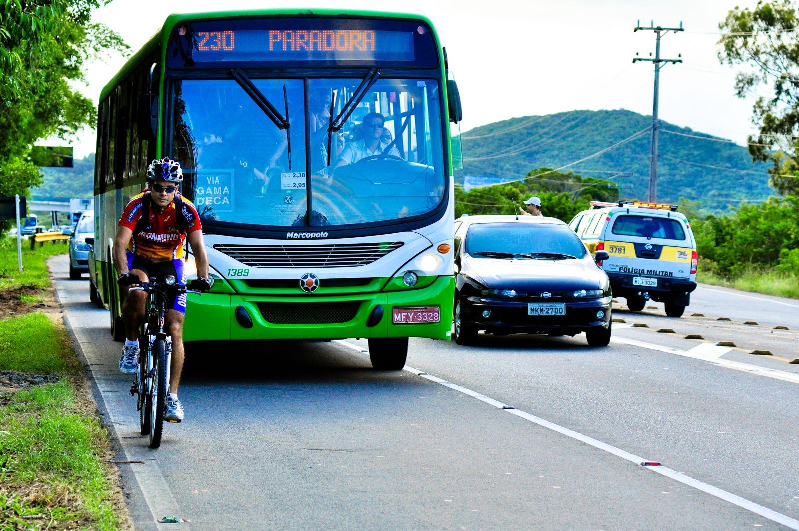 Durante todo o período de festas de fim de ano e ano novo e também durante  a alta temporada, é necessário um cuidado maior ao se pedalar pela cidade. 5888400041