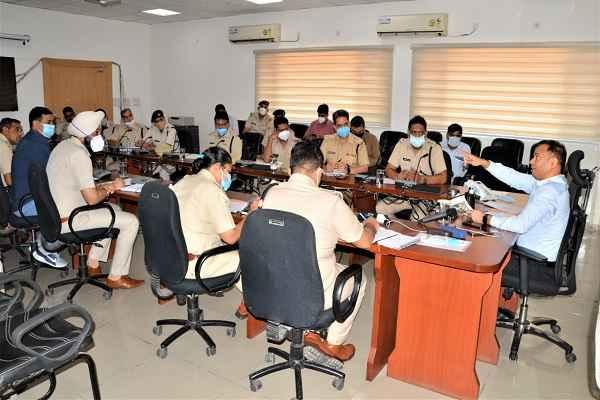 faridabad-police-lodged-fir-against-16-bhumafia-khori-gaon