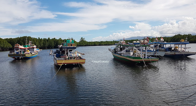 Pelabuhan Tumbak  Minahasa Tenggara || ©JelajahSuwanto