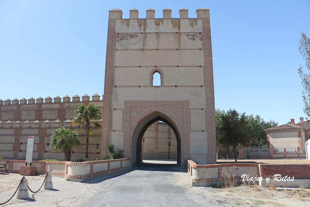 Puerta de Arévalo, Madrigal de las Altas Torres