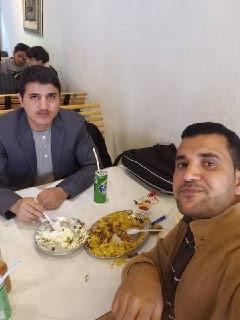 عماد صالح  مع عبدالمجيد زميله بالماجستير
