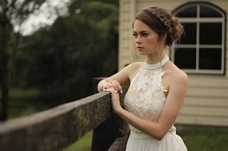 Vestido de novia con cuello halter