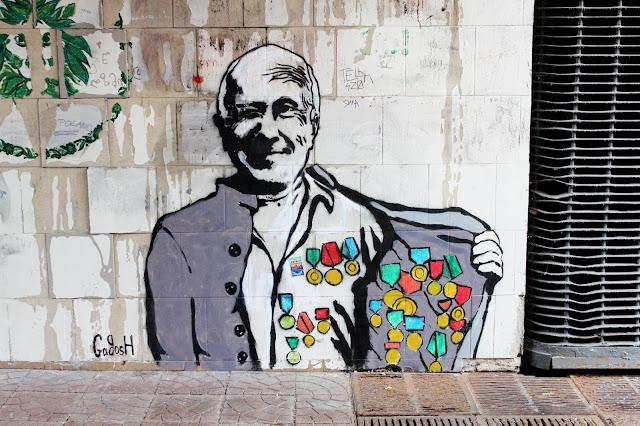 Граффити в переходе под Европейской площадью