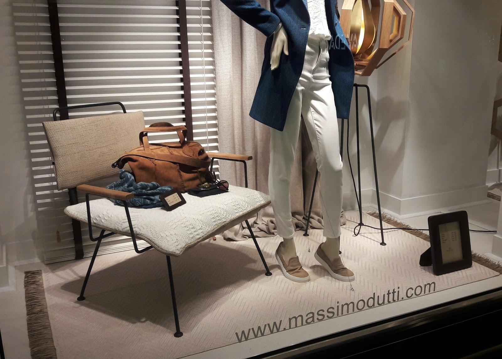Madrid Massimo Dutti Photo Taken At Massimo Dutti By Salem J On  # Muebles De Massimo Dutti