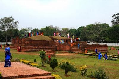 কুমিল্লার দর্শনীয় স্থানগুলোতে মানুষের ভীড়