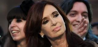 """El hijo de la ex presidenta advirtió que lo épico """"no es ir a una PASO con Cristina"""" sino ganarle a Macri. Los dirigentes K plantearon armar un frente que vaya por fuera del PJ."""