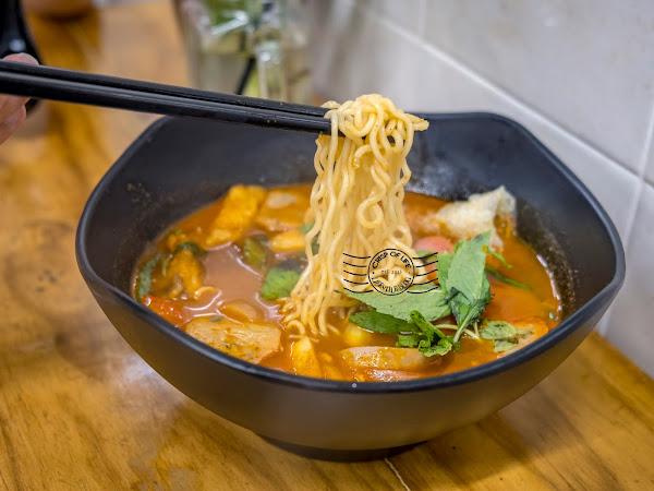 Pick Your Own Ingredients Tomyam - Tom Yum Koong Noodles House 东炎宫 @ Perak Road, Penang