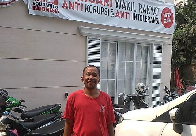 JANGAN JADI PENONTON, JADILAH PELAKU DALAM DUNIA POLITIK !!!