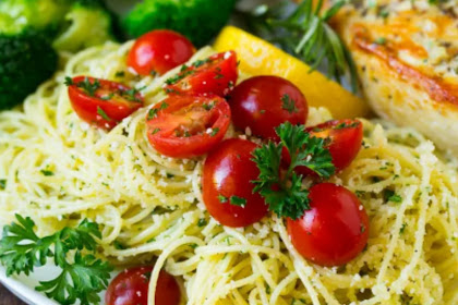 PASTA WITH GARLIC AND HERBS