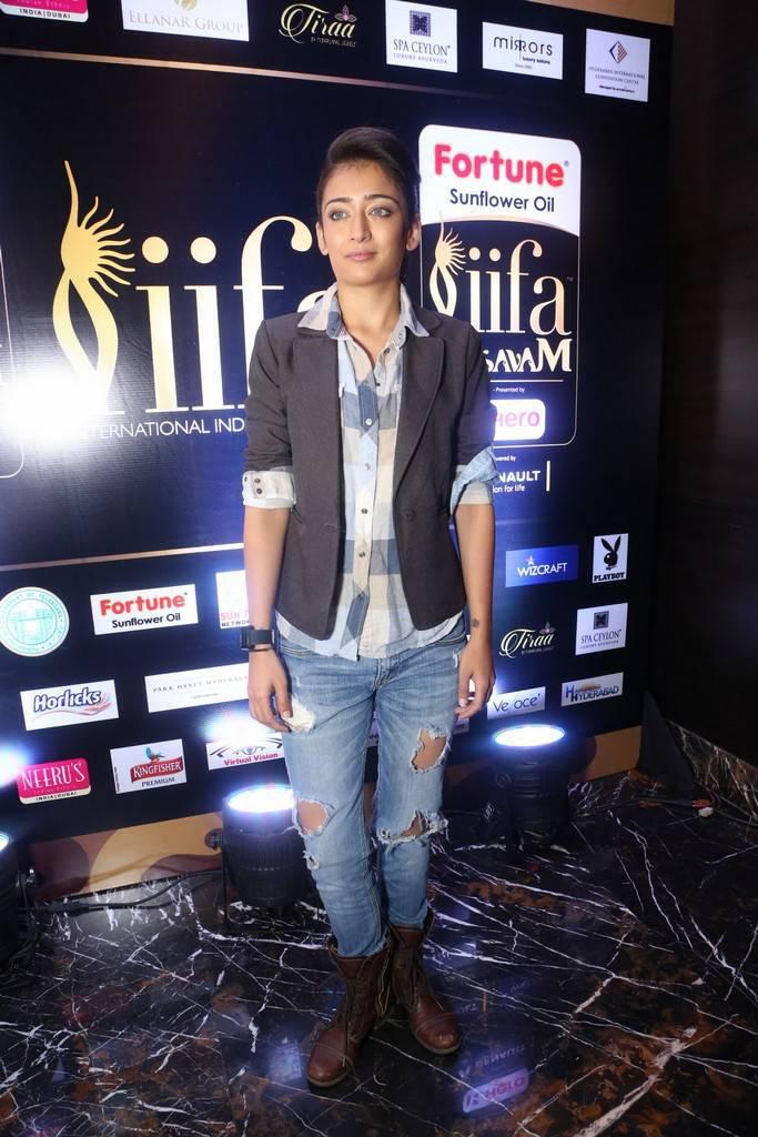 Actress Akshara Haasan Photos At IIFA Utsavam 2017 Press Meet