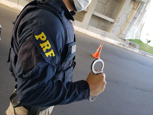 Homem é preso por porte ilegal de arma de fogo em Taipu, RN