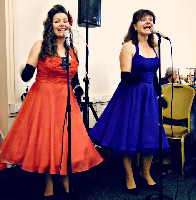 retro music act gentlemen prefer blondes at lou lou's vintage fair, Cardiff | ACupofT