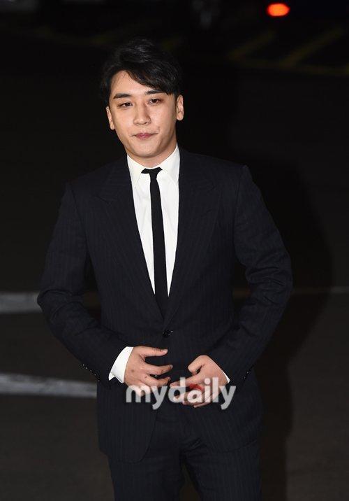 Saygın soruşturma şovu 'The Its Know' Seungri'nin skandalı hakkında ipuçları topladığını açıkladı