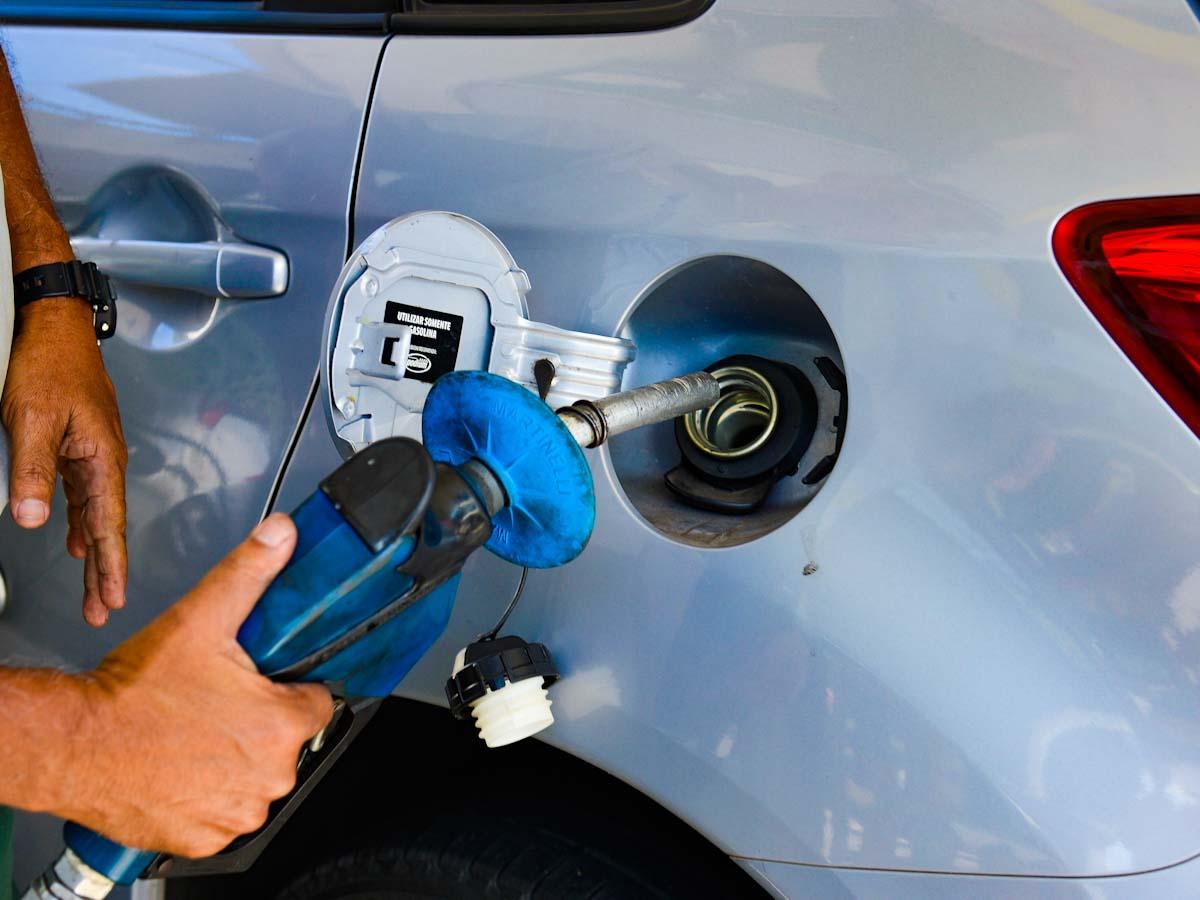 Preço da gasolina nos Estados do Nordeste varia 6,5%; região apresenta a maior alta de todo o Brasil