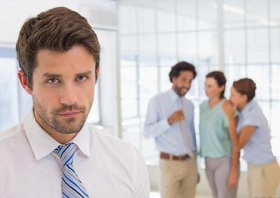 4 Tips Hadapi Gosip di Tempat Kerja