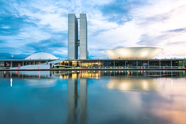Brazilian National Congress in Brasilia by Oscar Nieyemer (1960)