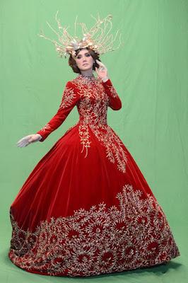 Gaun warna merah cantik dan seksi dari Mulan Jameella