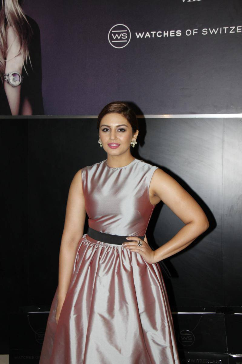 Indian Girl Huma Qureshi Face Closeup Photos In White Dress