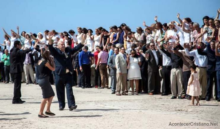 Iglesias evangélicas de Cuba protesta contra matrimonio gay