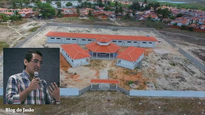 João Câmara: Com 96% da obra concluída, Prefeitura abandona escola e construção é vandalizada, afirma Rafael Targino