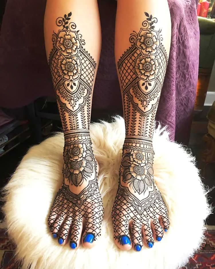 Indian-Mehndi-Design-for-Feet-With-Traditional-Bride