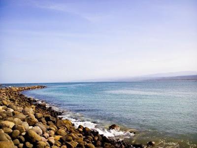 pantai pembatas ke santolo