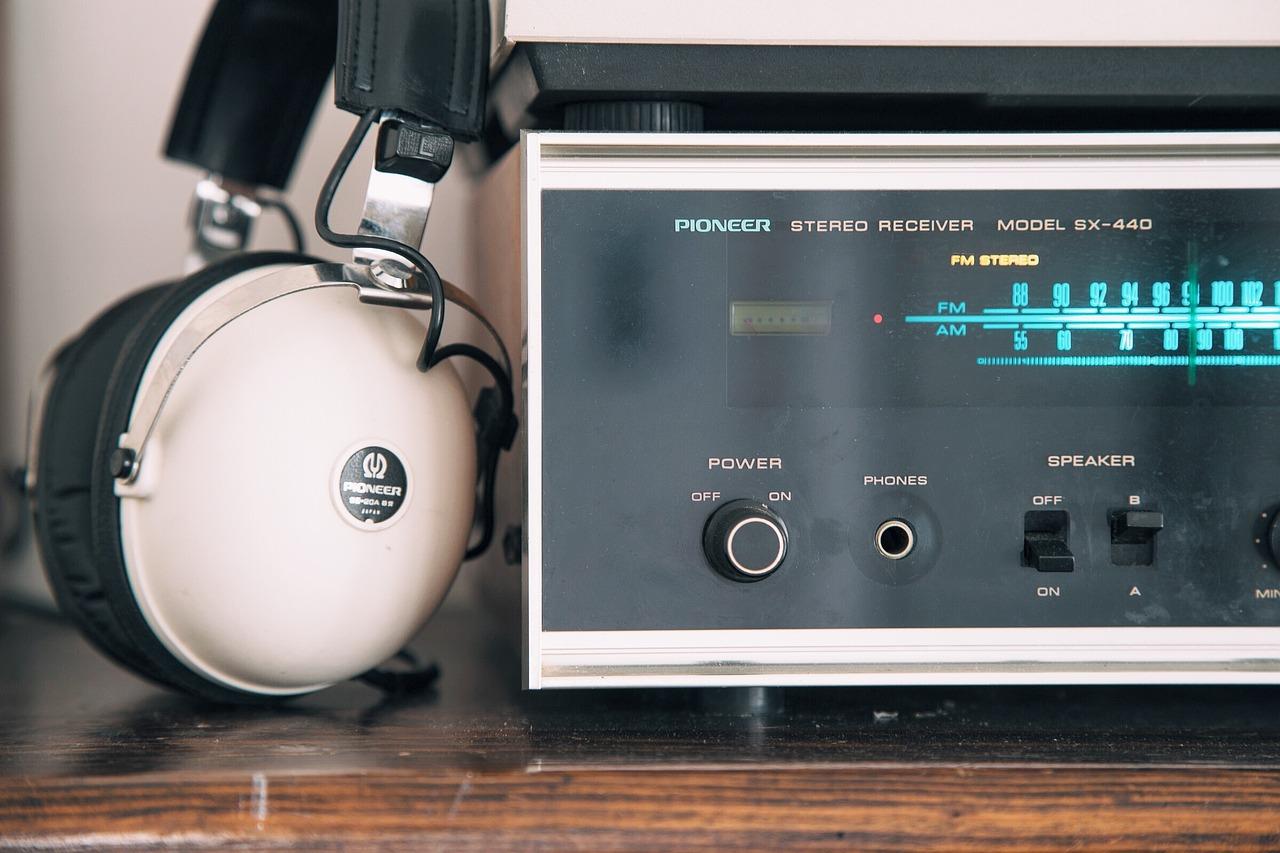 Precision device speaker illustration