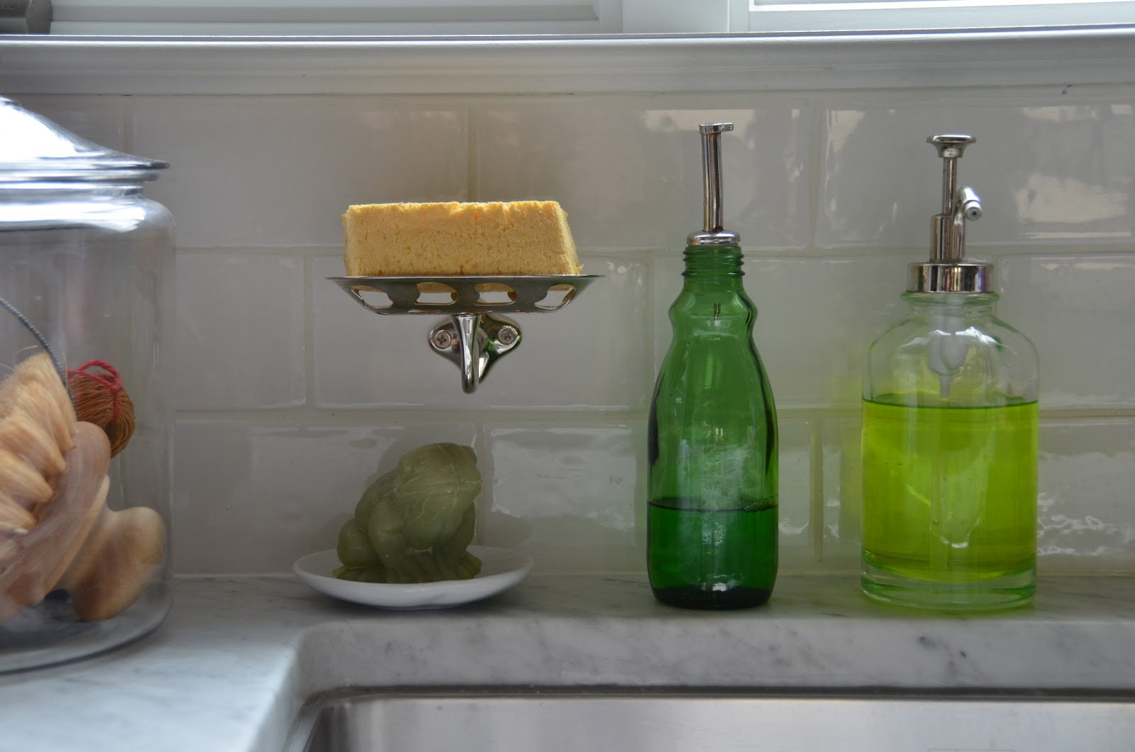 Exceptionnel A Soap Dish For The Sponge