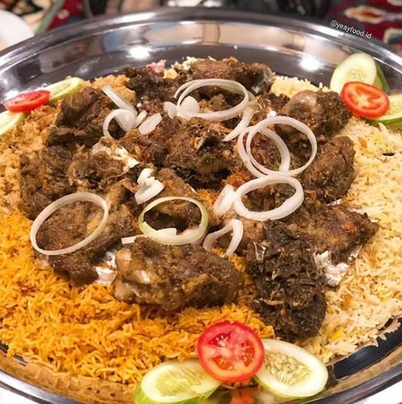 Nasi kabsa Kuliner Khas Arab Saudi