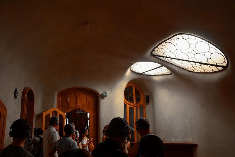 Casa Batlló Flur/ Treppenhaus Oberlichter Gausi Jugendstil Architektur Tour Sehenswürdigkeit