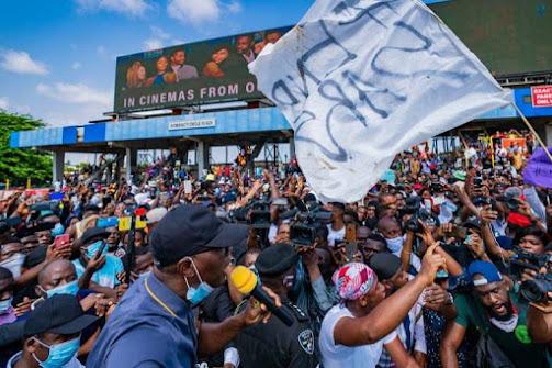 "Osundare to Buhari – ""Tell Nigerians who ordered Lekki shootings"""