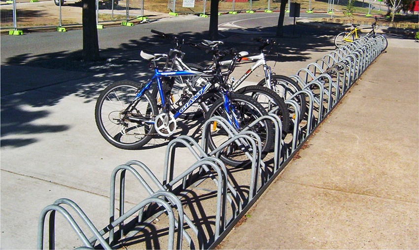 contoh parkir sepeda outdoor