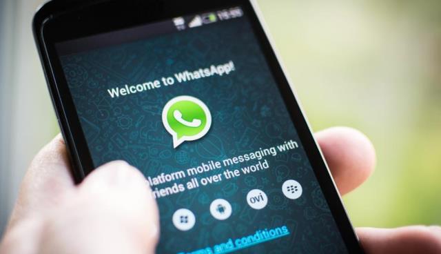 Etika Komunikasi WhatsApp dan Media Sosial