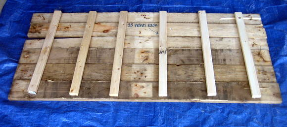 Here is the template for the back of your DIY pallet sign!