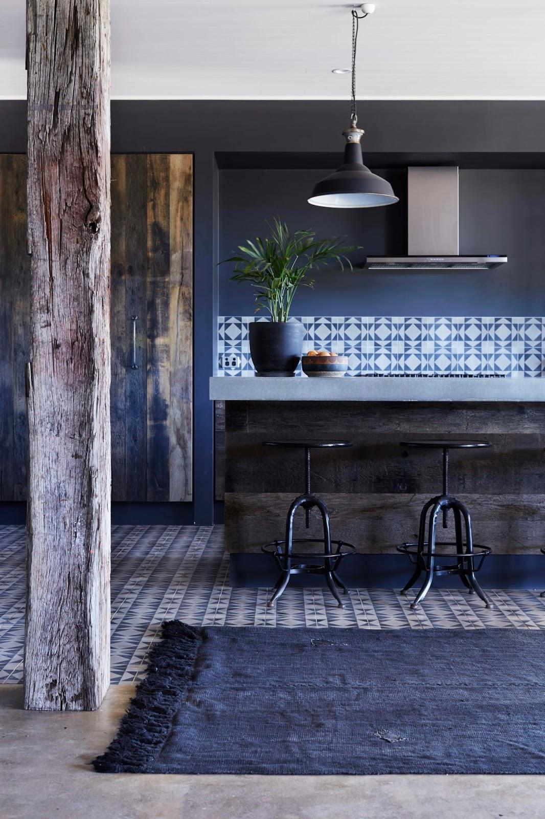 For my home / idées déco #16 / 16 cuisines noires /  ATELIER RUE