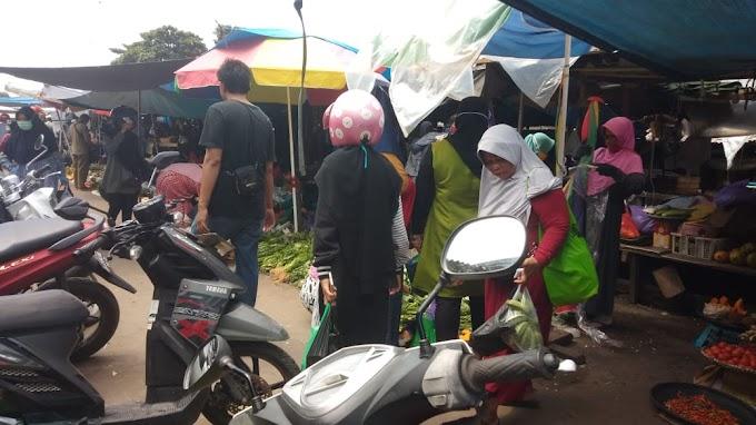 Jelang Lebaran Pasar 'Berdamai' Dengan COVID-19 dan #IndonesiaTerserah