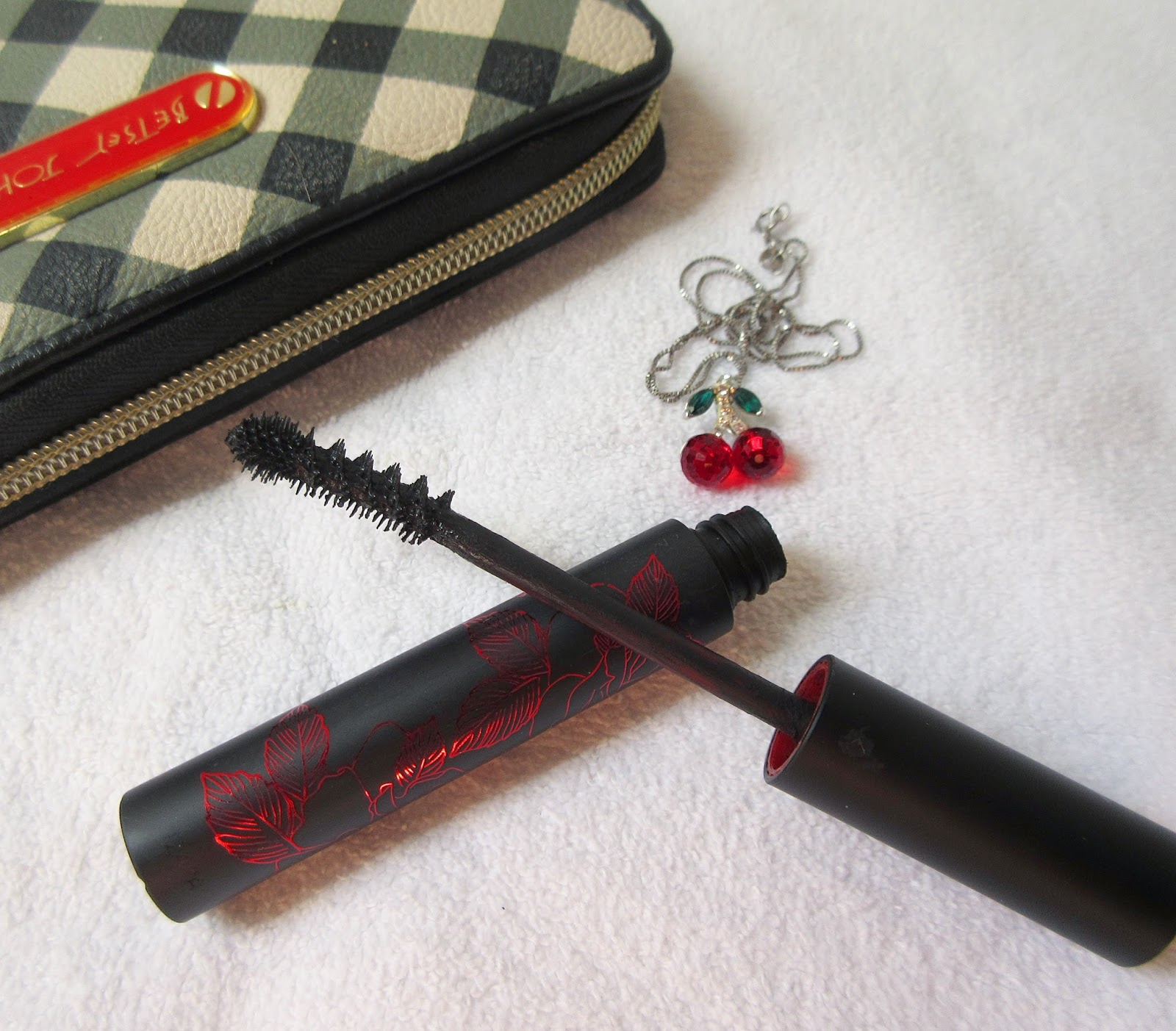 Kat Von D Immortal Lash Mascara Review