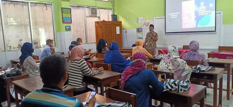 Pelatihan IT untuk Orangtua dan Sosialisasi Pembelajaran Jarak Jauh SD Islam Istiqomah