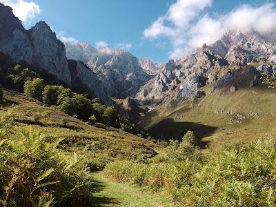 góry, krajobraz, Iran, zaratusztrianizm, zaratusztra, Persja; źródło: magdeleine.co