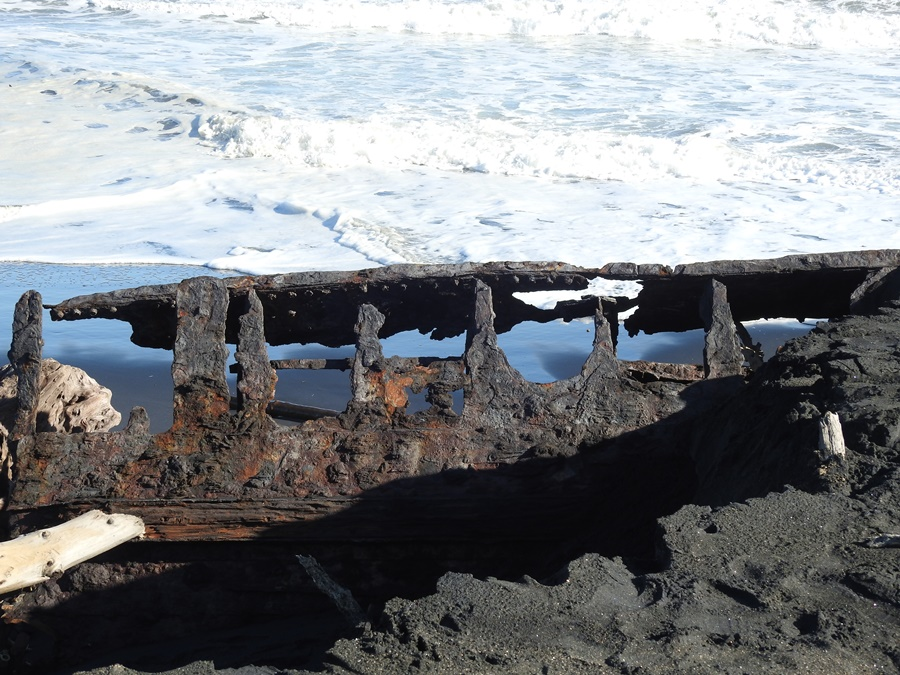 Waitangi shipwreck, Patea, NZ