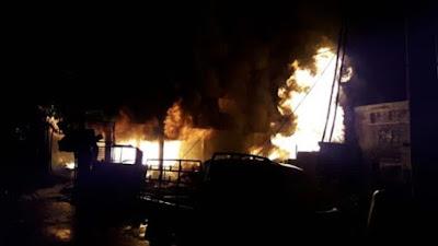 Kebakaran gudang tabung gas