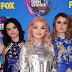 Hey Violet comparece ao Teen Choice Awards 2017 no Galen Center em Los Angeles, na California – 13/08/2017