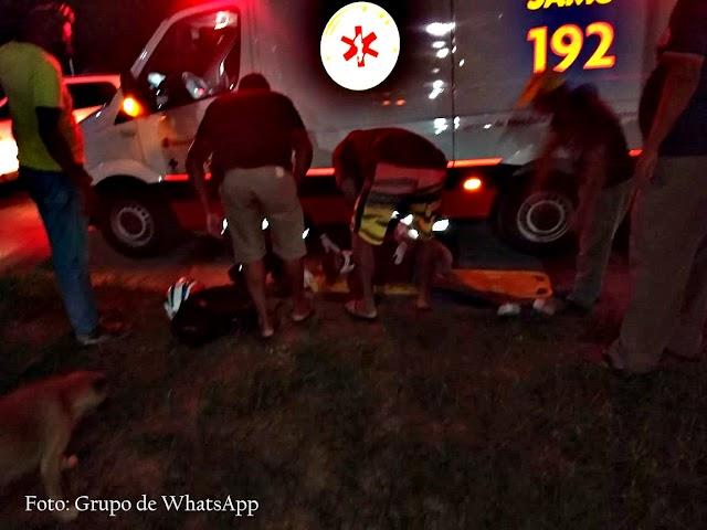 Jovem fica ferido após colisão entre moto e veículo de passeio na BR 101 região de Sapeaçu