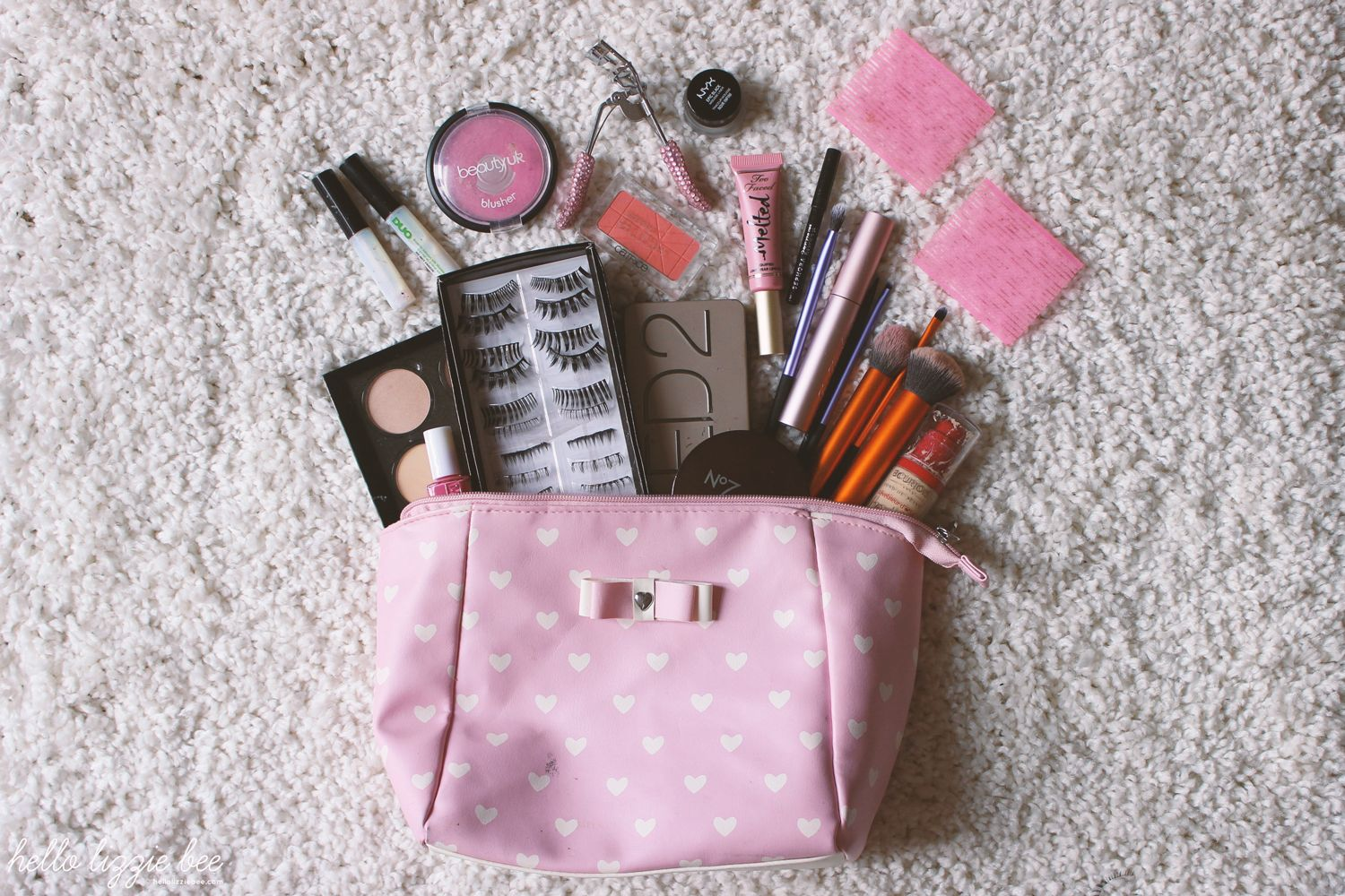 How to pack your gyaru makeup for when you go on holiday