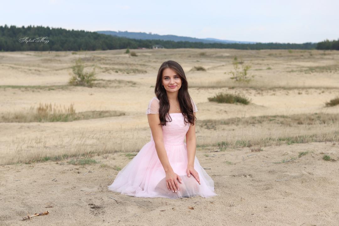 pustynia i bajkowe sukienki