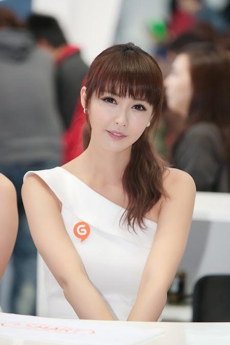 Natsumi Abe, Gorgeous in White   Asia Cantik Blog
