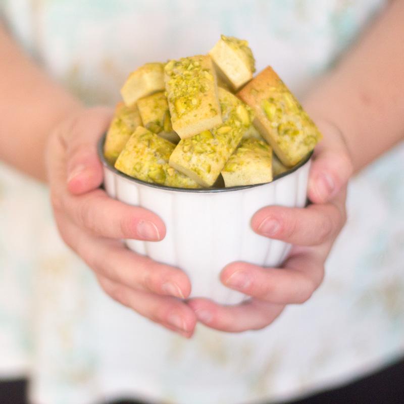 como preparar financieros de pistachos con thermomix, receta paso a paso