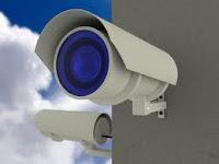 Algunos porteros y conserjes se han visto desplazados por dispositivos electrónicos de vigilancia.