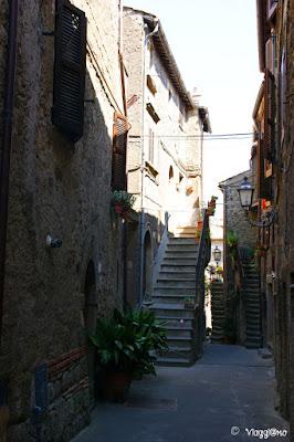 Il borgo Medievale di Bomarzo con i suoi scorci